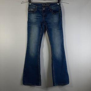 Ariya Jeans Women's 3/4 Button Back Pocket